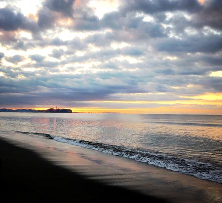 茅ヶ崎海岸からの初日の出