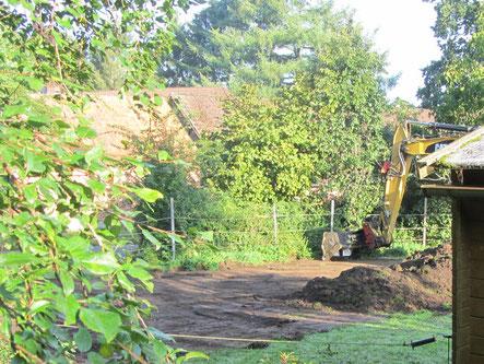 Umgestaltung des Auslaufs: Mutterboden wurde abgeschoben und Sand aufgebracht. Das war eine erste, größere Veränderung!