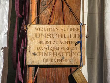 © Traudi – Dieses Schild hat die Zuberin an ihr Badehaus angebracht
