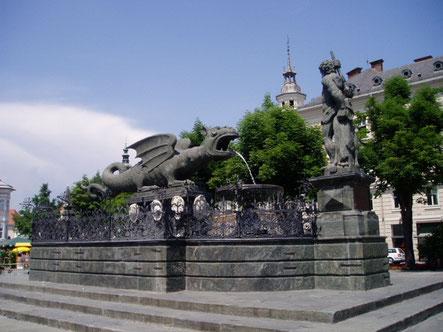 クラーゲンフルトのシンボル 竜の噴水