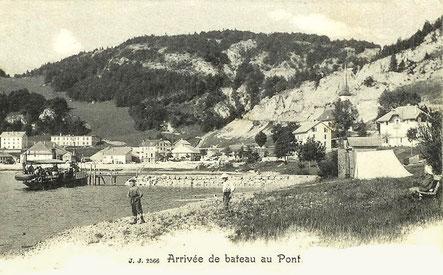 Le lac, avec sa plage et le navire à vapeur Le Caprice, constitue un atout privilégié
