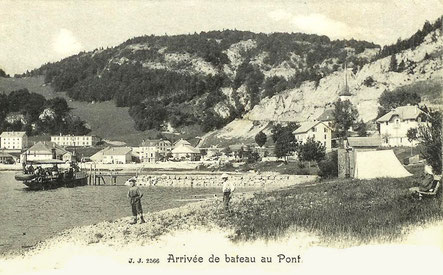 Il lago con la sua spiaggia e il battello a vapore Caprice, costituiscono un posto privilegiato