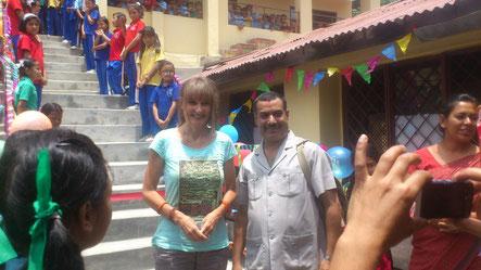 Nach dem Erdbeben: Einweihung der neuen Schultreppe Juli 2015