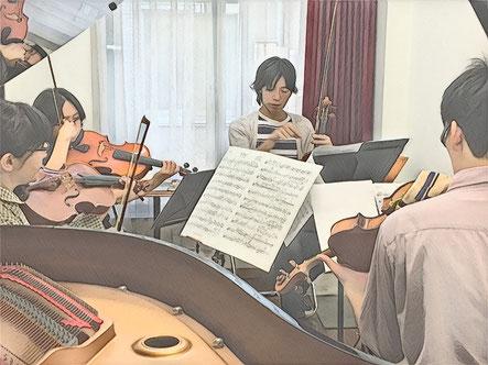 ヴィオラアンサンブルコンサートの合奏指導風景。教室の発表会を兼ねて実践しています。