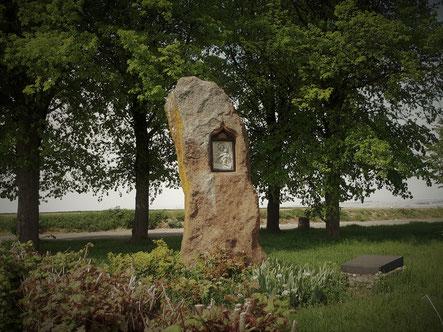 Der Lange Stein bei Ober-Saulheim