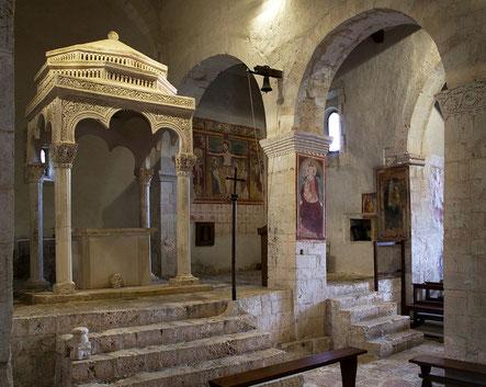 Santa Maria in Val Porclaneta, ciborio. Abruzzo