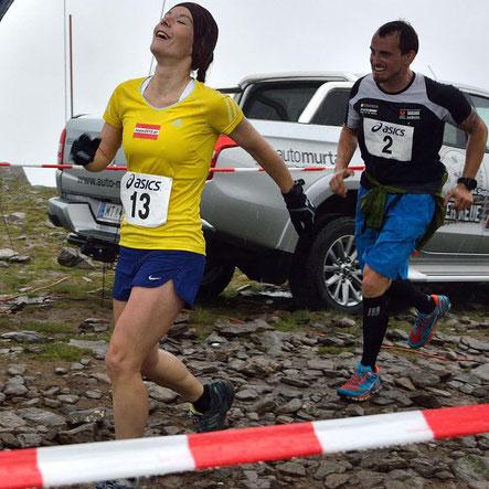 Tanja Bauer zu Recht überglücklich beim Zieleinlauf am Zirbitzkogel
