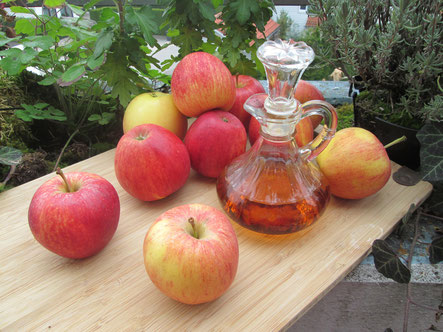 Switchel Äpfel Saft Essig