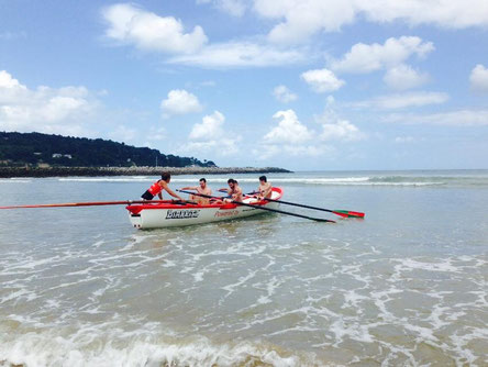 open surfboat hendaye