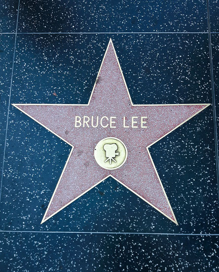 Der Stern von Bruce Lee auf dem Walk of Fame.