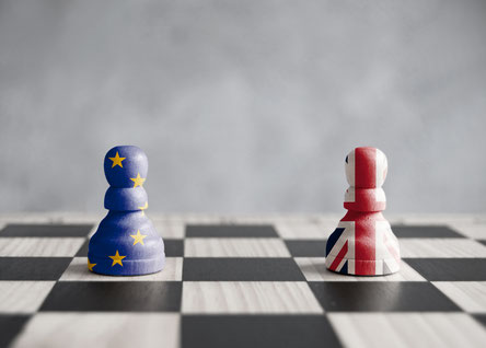 Schachfiguren mit Union Jack und EU Fahne, Auswirkungen des Brexit auf das Umsatzsteuerrecht