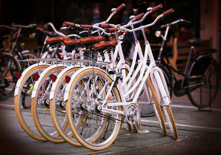 vélo blanc style vintage