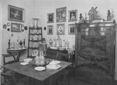 Esszimmer in Foersters Wohnung in der Wichmannstraße in Berlin-Schöneberg, 1943