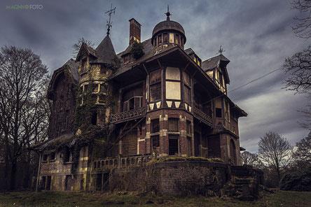 Lost Place, Urban Exploring, Verlassen, Witten, Bochum, Dortmund, NRW, Ruhrgebiet, Villa, Verlassene Villa, Grusel haus