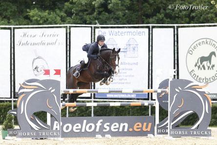 Pim Mulder en Celine winnen 1.35m De Hazelhorst Prijs. Foto FotoTrailer