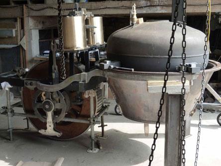 corps de chauffe, cuve sous pression, pistons et mecanique d'entrainement