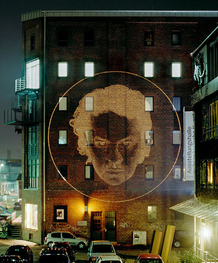 Selbst 2006 Austellung face to face Ausstellungshalle zeitgenössische Kunst Münster Lichtprojektion im Außenraum