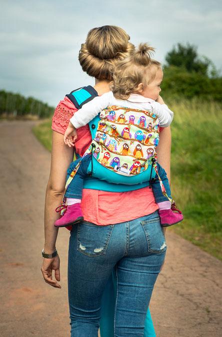 Huckepack Wrap Tai Babytrage, Rückentrage mit zusätzlichen Polstern.