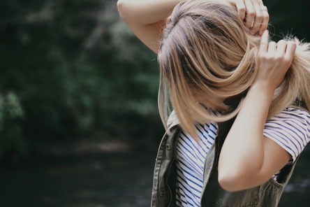 cheveux gras, traiter cheveux gras, conseils cheveux gras, no poo, laver ses cheveux, slow cheveux, slow hair