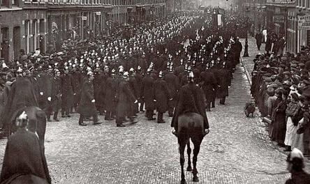 Politiestoet begrafenis agent Titseler.