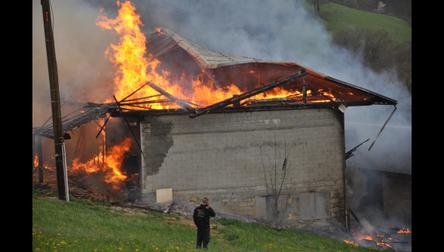 Incendie de corps de ferme (73) Crédit photo ledauphine.com