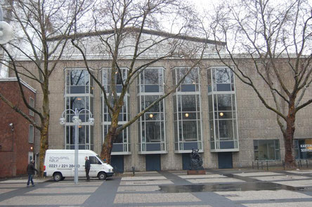 Drei der fünf Platanen die vor der Oper auf dem Offenbachplatz gestanden haben, yeswecancan 200 Jahre Offenbach