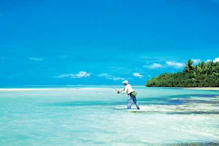Fly fish The Seychelles, FFTC.club saltwater destination, Fly Fishermen at the shore, Astove Atoll, Fly fish the best saltwater destinations at the Seychelles. Giant Trevallies in the Indian Ocean.