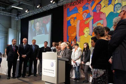 Vergabe des Sally Perel Preises auf der Betriebsversammlung am 23.05.2013. [Foto: Marvin Hopp]