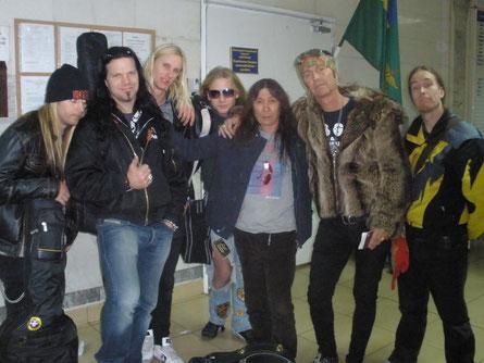 Прощаюсь с друзьями в аэропорту Одессы