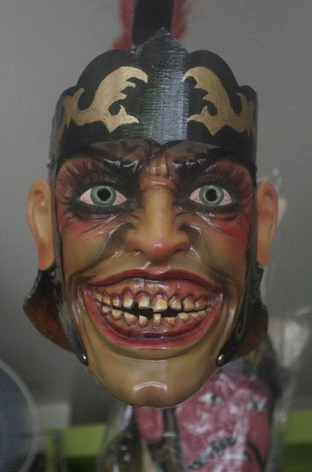 Eine typische Holzmaske für das Moriones Festival