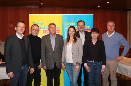 Der neue Kettwiger Parteivorstand präsentiert sich beim Wahlparteitag.