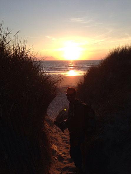 Und den Sonnenuntergang am Strand geniessen