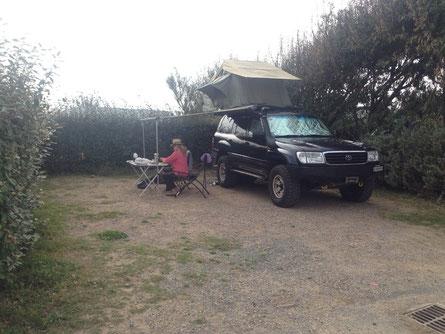 Camping wie im Schrebergartä in Reih und Glied