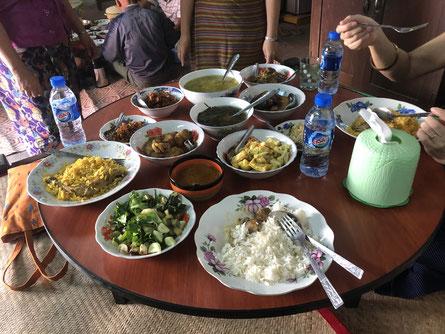 ミャンマーの友人の家のご飯