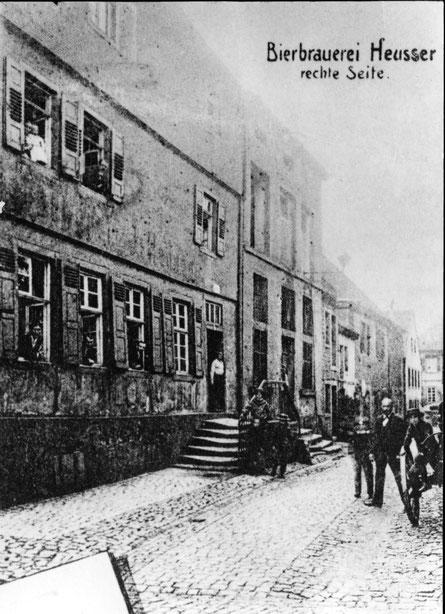 1920,  Gaststätte Blaues Haus Ansicht aus Färbergasse, Bild: Stadtarchiv