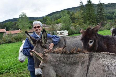 Tourisme et Handicap, médiation animale avec des ânes en Montagne Noire