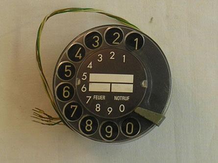 Telefon Fingerloch Wählscheibe von Fa. Hagenuk Kiel Fertigungsjahr 1972