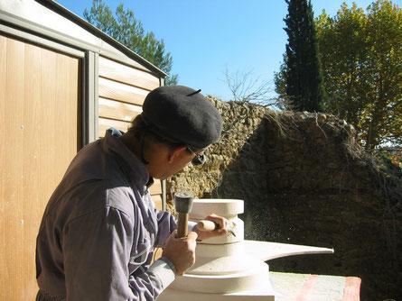 carving-moulding-stone-cutter-chisel-bormes-var-83-medici-vase