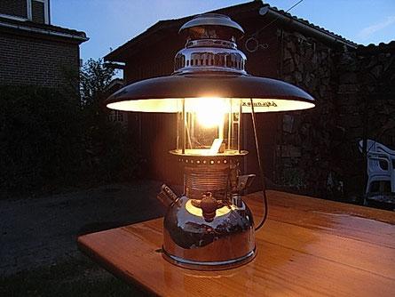 Starklichtlampen machen nicht nur schönes Licht, sie können auch eine wunderbare Atmosphäre schaffen.