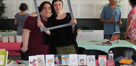 La mangaka et artiste Maëline illu et l'illustratrice Cloé Perrotin au Salon du Livre le Printemps des Plumes à Fleury-la-Vallée 2017
