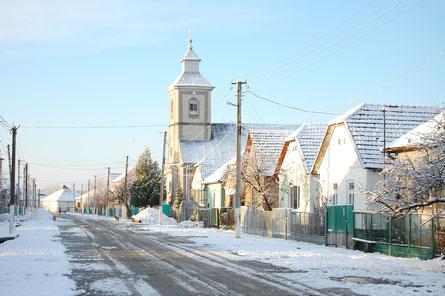 Hauptstraße in Schönborn/ West-Ukraine im Winter