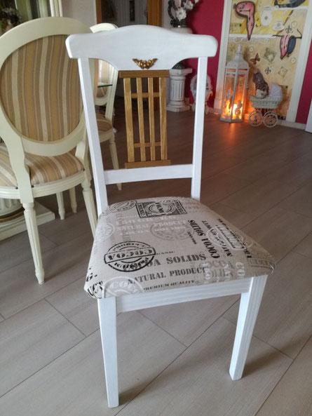 Holzstuhl gestrichen und neuen Bezug aufs Polster ...