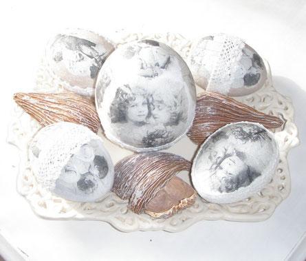 Ton-Eier mit Serviettentechnik und Häkelspitze ...