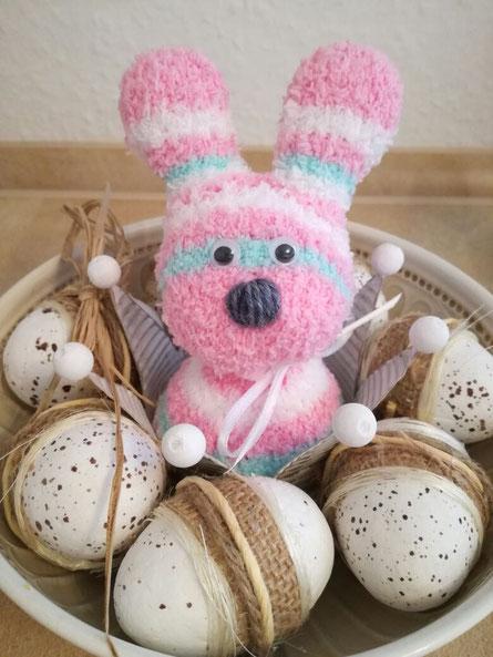Kaninchen aus Socken genäht ... Ostern 2017