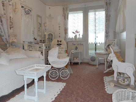 Gästezimmer frisch renoviert und neue Schränke ...