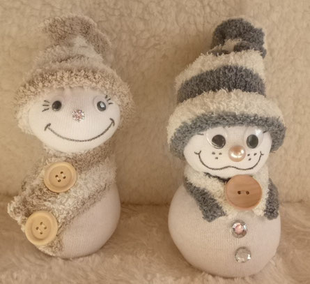 Schneemänner aus Socken ... :o)
