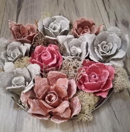 Rosen aus Eierkartons ... :-)
