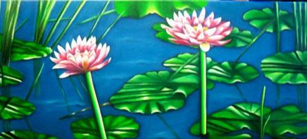 Les lotus ont une tige, contrairement aux nénuphars