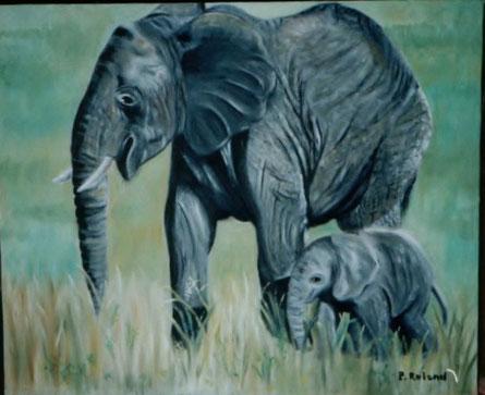Maman éléphant et bébé en promenade dans la savane