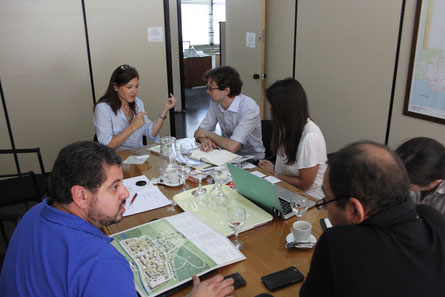 Gemeinsam mit den Direktoren der Landesregierung Maldonado in Planungsgesprächen